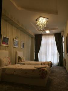 Bakı şəhəri, Xətai rayonunda, 3 otaqlı yeni tikili kirayə verilir (Elan: 130387)