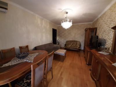 Bakı şəhəri, Yasamal rayonunda, 2 otaqlı köhnə tikili satılır (Elan: 106221)