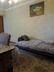 Xırdalan şəhərində, 2 otaqlı köhnə tikili kirayə verilir (Elan: 108285)