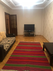 Bakı şəhəri, Nərimanov rayonunda, 2 otaqlı yeni tikili kirayə verilir (Elan: 107908)