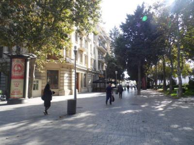Bakı şəhəri, Səbail rayonunda, 2 otaqlı köhnə tikili kirayə verilir (Elan: 108168)