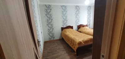 Bakı şəhəri, Nəsimi rayonu, 1-ci mikrorayon qəsəbəsində, 3 otaqlı köhnə tikili satılır (Elan: 154621)