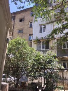 Bakı şəhəri, Yasamal rayonunda, 3 otaqlı köhnə tikili satılır (Elan: 108035)