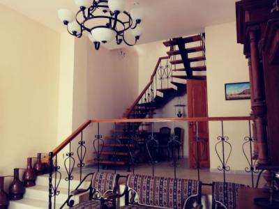 Bakı şəhəri, Səbail rayonunda, 5 otaqlı ev / villa kirayə verilir (Elan: 106384)