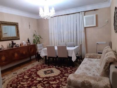 Bakı şəhəri, Binəqədi rayonu, 9-cu mikrorayon qəsəbəsində, 4 otaqlı yeni tikili satılır (Elan: 109567)