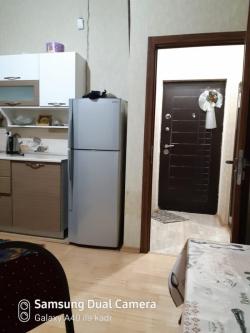 Bakı şəhəri, Abşeron rayonunda, 2 otaqlı yeni tikili kirayə verilir (Elan: 201059)