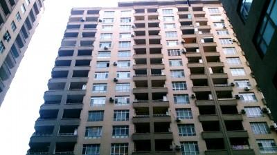 Bakı şəhəri, Yasamal rayonunda, 3 otaqlı yeni tikili kirayə verilir (Elan: 111107)