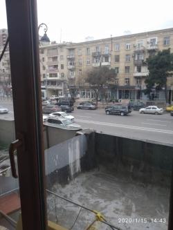 Bakı şəhəri, Nəsimi rayonunda, 2 otaqlı köhnə tikili satılır (Elan: 184261)