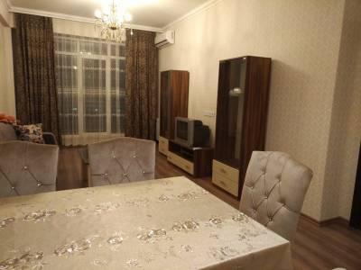 Bakı şəhəri, Yasamal rayonunda, 2 otaqlı yeni tikili kirayə verilir (Elan: 131109)
