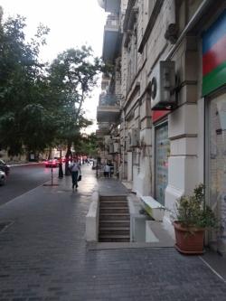 Bakı şəhəri, Səbail rayonunda, 3 otaqlı köhnə tikili satılır (Elan: 201548)