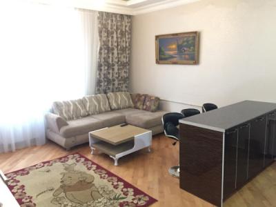 Bakı şəhəri, Yasamal rayonunda, 2 otaqlı yeni tikili kirayə verilir (Elan: 106267)