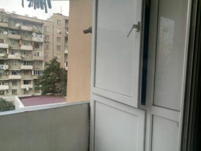 Bakı şəhəri, Xəzər rayonunda, 2 otaqlı yeni tikili kirayə verilir (Elan: 106641)