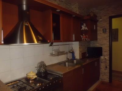 Bakı şəhəri, Yasamal rayonunda, 5 otaqlı köhnə tikili satılır (Elan: 108070)