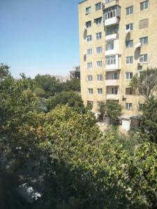 Bakı şəhəri, Yasamal rayonunda, 3 otaqlı köhnə tikili satılır (Elan: 106350)