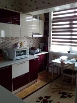 Bakı şəhəri, Nəsimi rayonu, 4-cü mikrorayon qəsəbəsində, 4 otaqlı köhnə tikili satılır (Elan: 193871)