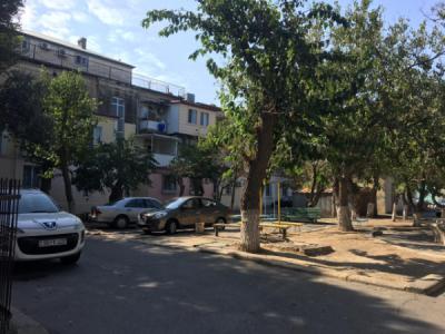 Bakı şəhəri, Yasamal rayonunda, 3 otaqlı köhnə tikili kirayə verilir (Elan: 107735)