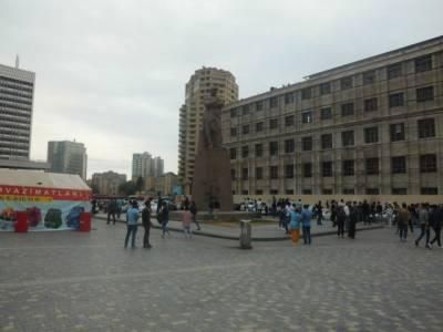 Bakı şəhəri, Nəsimi rayonunda, 2 otaqlı köhnə tikili satılır (Elan: 115137)