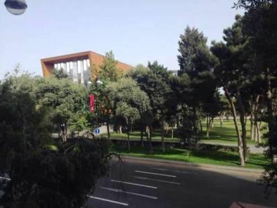 Bakı şəhəri, Səbail rayonunda, 2 otaqlı köhnə tikili kirayə verilir (Elan: 158149)