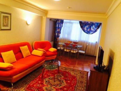Bakı şəhəri, Nəsimi rayonunda, 3 otaqlı yeni tikili kirayə verilir (Elan: 107515)