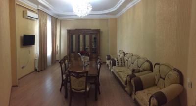 Bakı şəhəri, Yasamal rayonunda, 2 otaqlı yeni tikili kirayə verilir (Elan: 106586)