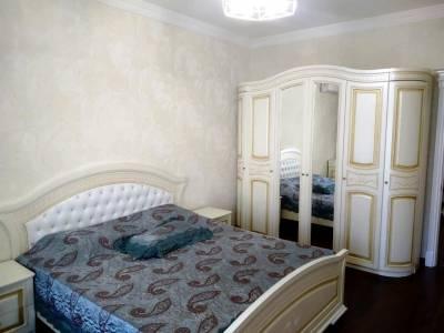 Bakı şəhəri, Yasamal rayonunda, 4 otaqlı yeni tikili kirayə verilir (Elan: 113296)