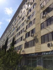 Bakı şəhəri, Nizami rayonunda, 4 otaqlı köhnə tikili satılır (Elan: 107344)
