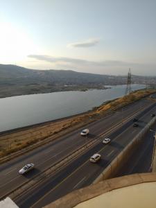 Bakı şəhəri, Yasamal rayonu, Yeni Yasamal qəsəbəsində, 4 otaqlı yeni tikili satılır (Elan: 107707)