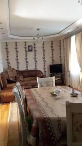 Bakı şəhəri, Suraxanı rayonu, Qaraçuxur qəsəbəsində, 6 otaqlı ev / villa satılır (Elan: 147314)