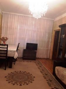 Bakı şəhəri, Suraxanı rayonu, Yeni Günəşli qəsəbəsində, 2 otaqlı köhnə tikili satılır (Elan: 108130)