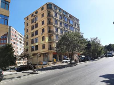 Bakı şəhəri, Nəsimi rayonu, 4-cü mikrorayon qəsəbəsində, 2 otaqlı yeni tikili satılır (Elan: 107850)