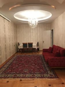 Bakı şəhəri, Yasamal rayonunda, 3 otaqlı köhnə tikili kirayə verilir (Elan: 107489)