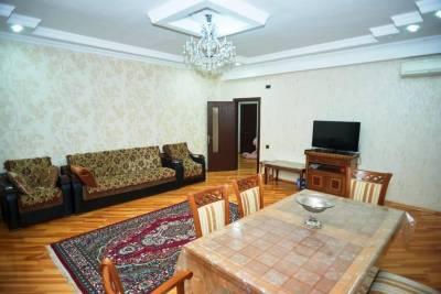 Bakı şəhəri, Xətai rayonunda, 4 otaqlı yeni tikili satılır (Elan: 166075)