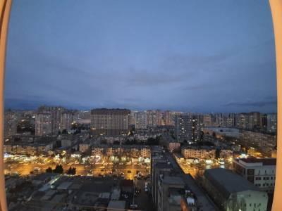 Bakı şəhəri, Yasamal rayonunda, 3 otaqlı yeni tikili kirayə verilir (Elan: 132910)