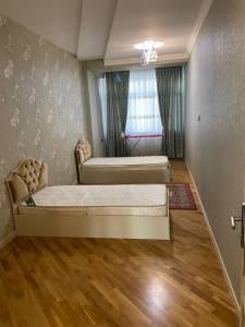 Bakı şəhəri, Nərimanov rayonunda, 3 otaqlı yeni tikili kirayə verilir (Elan: 147776)