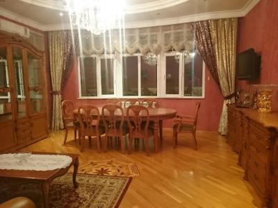Bakı şəhəri, Nərimanov rayonunda, 3 otaqlı yeni tikili kirayə verilir (Elan: 108685)