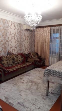 Bakı şəhəri, Suraxanı rayonu, Yeni Günəşli qəsəbəsində, 3 otaqlı köhnə tikili satılır (Elan: 188365)