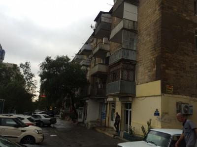 Bakı şəhəri, Nəsimi rayonunda, 2 otaqlı köhnə tikili satılır (Elan: 108879)