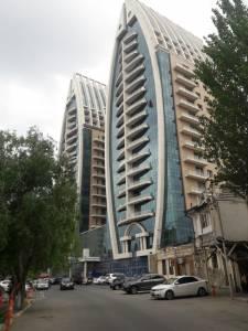 Bakı şəhəri, Yasamal rayonunda, 2 otaqlı yeni tikili kirayə verilir (Elan: 148197)