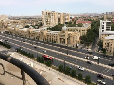 Bakı şəhəri, Nərimanov rayonunda, 3 otaqlı yeni tikili kirayə verilir (Elan: 108733)