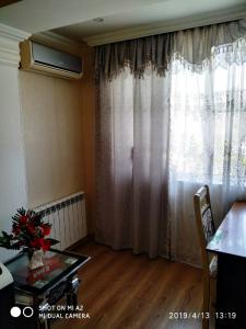 Bakı şəhəri, Nizami rayonunda, 2 otaqlı köhnə tikili satılır (Elan: 108442)