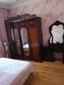 Xırdalan şəhərində, 4 otaqlı köhnə tikili satılır (Elan: 121496)