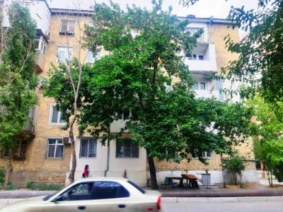 Bakı şəhəri, Yasamal rayonunda, 2 otaqlı köhnə tikili satılır (Elan: 149294)