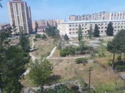 Bakı şəhəri, Suraxanı rayonu, Yeni Günəşli qəsəbəsində, 2 otaqlı köhnə tikili satılır (Elan: 193748)