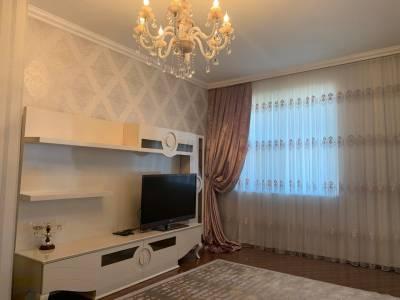 Bakı şəhəri, Nəsimi rayonunda, 4 otaqlı yeni tikili kirayə verilir (Elan: 123261)