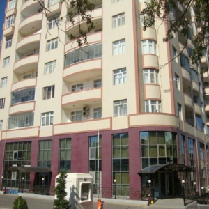 Bakı şəhəri, Yasamal rayonunda, 3 otaqlı yeni tikili kirayə verilir (Elan: 108067)