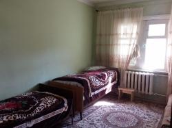 Bakı şəhəri, Yasamal rayonu, Yeni Yasamal qəsəbəsində, 4 otaqlı köhnə tikili satılır (Elan: 202095)