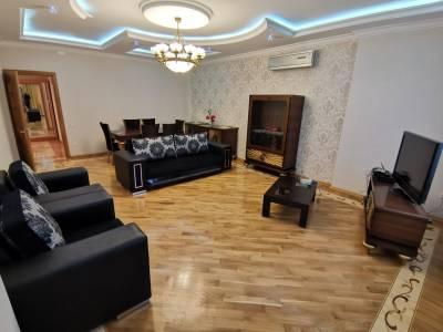 Bakı şəhəri, Nərimanov rayonunda, 3 otaqlı yeni tikili kirayə verilir (Elan: 115644)