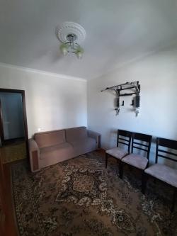 Bakı şəhəri, Yasamal rayonu, Yeni Yasamal qəsəbəsində, 4 otaqlı köhnə tikili satılır (Elan: 202100)
