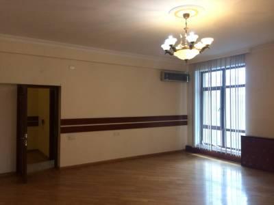 Bakı şəhəri, Nəsimi rayonunda, 3 otaqlı ofis kirayə verilir (Elan: 146827)