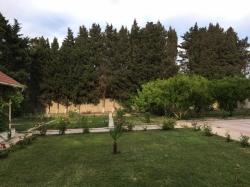 Bakı şəhəri, Abşeron rayonu, Novxanı qəsəbəsində bağ kirayə verilir (Elan: 188354)